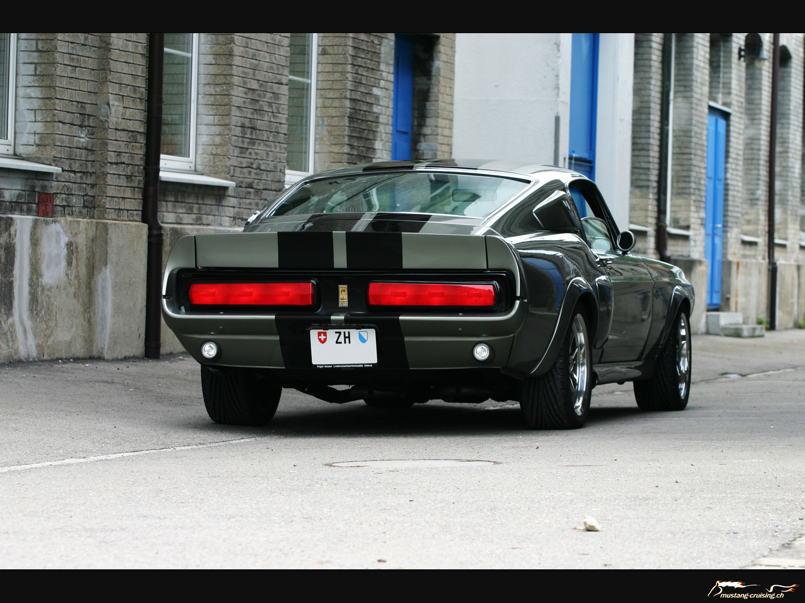 http://www.mustang-cruising.ch/cmine/albums/wallpapers/1964-1973/mustang-1967eleanor5.jpg